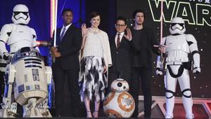 Star Wars: Güç Uyanıyor torrente düştü