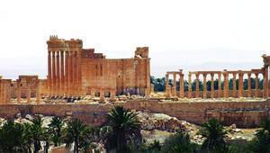Suriye ordusu, Palmira'yı 10 ay sonra geri aldı