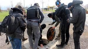 Nevruz öncesi polisler kanalizasyonda bomba aramış