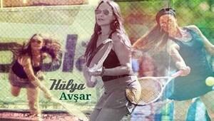 Hülya Avşar ve Sinan Akçıl'dan tenis severlere müjde