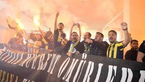 Fenerbahçe Konya'da şampiyon gibi karşılandı