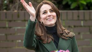 İşin aslı şu ki: Kate Middleton ne giyse yakışmıyor!
