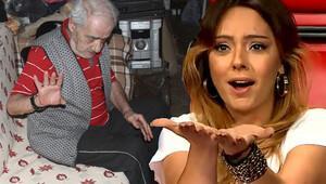 Ebru Gündeş babası Remzi Gündeş'e yardım etti