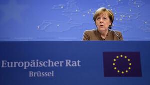 Almanya Başbakanı Merkel'den 'Erdoğan şiiri' ile ilgili açıklama