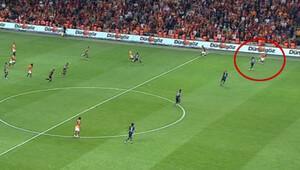 Podolski'nin golü ofsayt bayrağına takıldı!