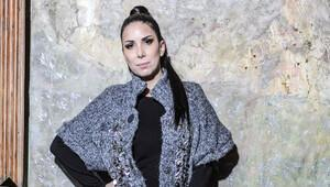 Tuğba Özerk: 'Delirmemek için şarkı yazıyorum'