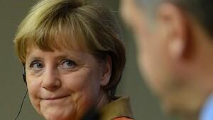 Merkel, Almanya'nın 'Erdoğan şiiri' ile ilgili kararını açıkladı