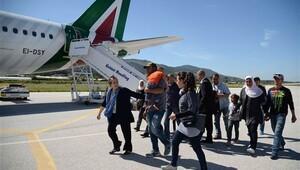 Papa, 12 Suriyeli mülteciyi İtalya'ya götürdü