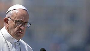 Papa'dan sert yanıt: Psikiyatriste gitsinler