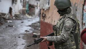 Kars'ta teröristlerle sıcak temas