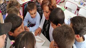 Eğitimi sınıfa hapsetmeyen öğretmen: Fatma Ayan