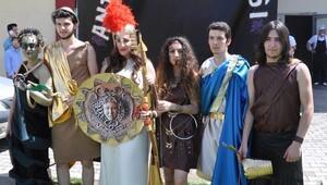 Yunan mitolojisi tanrıları PAÜ'de canlandı