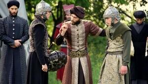 Muhteşem Yüzyıl Kösem'de Kösem'in fragmanında İskender annesini öldürmeye gidiyor