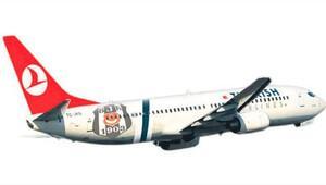THY uçağına Beşiktaş logosu