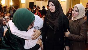 Emine Erdoğan, Suriyeli küçük kızı ailesiyle kavuşturdu