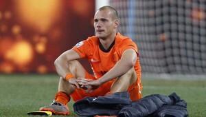 Muslera'dan sonra Sneijder şoku!