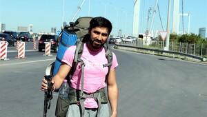 Meme kanserine dikkat çekmek için Artvin'den Edirne'ye yürüyor