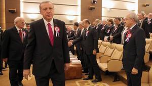 Kılıçdaroğlu'ndan 'AYM töreninde Erdoğan ile tokalaşmama' yorumu
