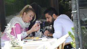 Seda Sayan sevgilisi ile objektiflere takıldı