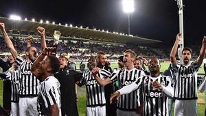 PSG'den sonra Juventus da şampiyonluk ipini göğüsledi