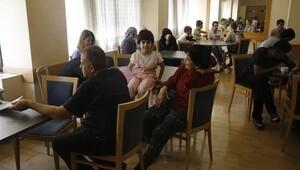Atina'da sığınmacılar otel işgal etti