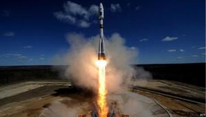 Rusya yeni üssünden ilk Soyuz'u fırlattı