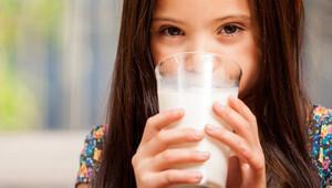 Süt alırken dikkat etmeniz gereken çok önemli bir detay var!
