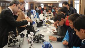 Atatürk Üniversitesi'nde '2. Robot Günleri'