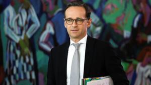 Almanya Adalet Bakanı Maas: AfD sağcı ve yabancı düşmanı