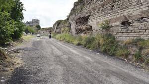 Tarihi surlara asfalt