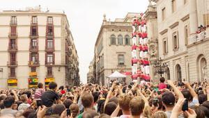 Barcelona'nın insandan kulesinde yerinizi alın