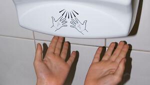Bir dahaki sefere elinizi makinede kurutmadan önce iki kez düşünün