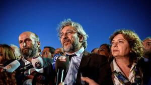 Can Dündar'a 5 yıl 10 ay hapis cezası