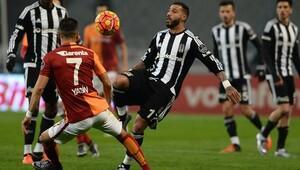 Galatasaray parçalı Beşiktaş çubuklu forma giyecek