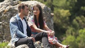 Hanım Köylü dizisinin 4. bölüm fragmanında aşk dolu sahne