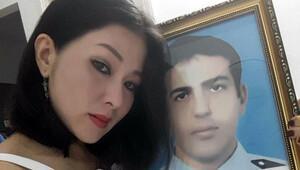 Şehidin Vietnamlı eşi evililik yıldönümlerinde gelinlik giydi