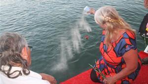 Külleri Fethiye'de denize döküldü