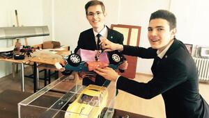Yüzen otomobil projesi birincilik getirdi