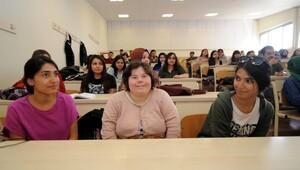 Down sendromlu Serap'ın 'üniversite' hayali