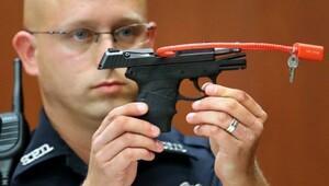Trayvon Martin'in katili, silahını açık artırmada satacak