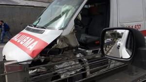 İstanbul'da dehşet: Ambulans bariyerlere girdi