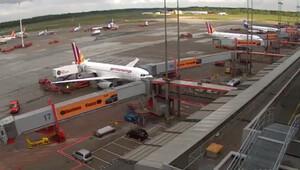 Hamburg'da bomba ihbarı yapıldı, polis yanlış uçakta arama yaptı