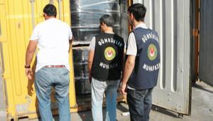 Suriyeliler için sıfır vergi ile ithal edilen tekstil ürünleri iç piyasaya satılmış