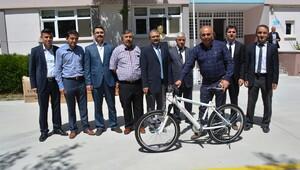 Obeziteye karşı ortaokullara bisiklet
