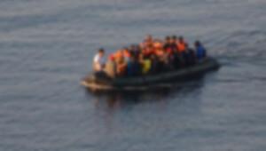 Ege'de kaçak botu battı, kayıplar var