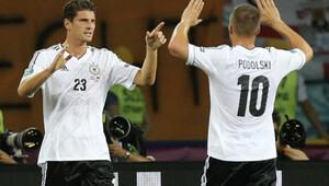 Gomez ve Podolski'ye milli davet