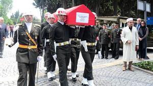 Emekli Orgenaral şehit oğluyla aynı şehitliğe gömüldü