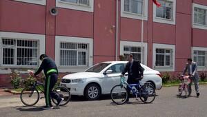 Eski bisikletler yenilenip karne hediyesi olacak