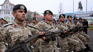 İran'da çocuk sahibi olanlara daha az askerlik