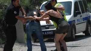 Kaza yaptı, nişanlısına saldırdı